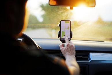 Accessoires auto pour téléphone portable